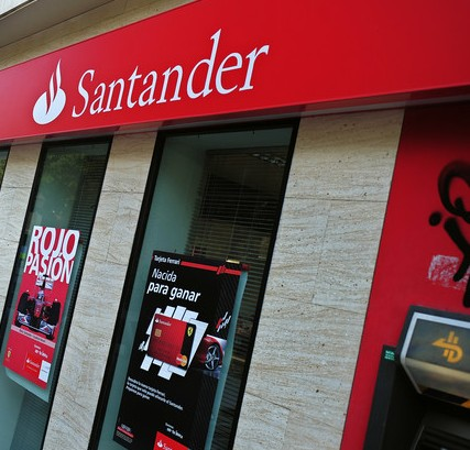 %name El juez anula los swaps vendidos por el Santander a dos inmobiliarias y devolverá 317.107 euros