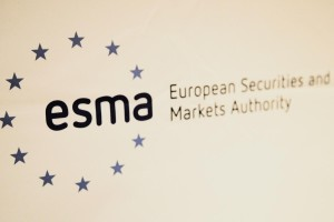 img 3373 2 300x200 Consulta de ESMA en materia de abuso de mercado