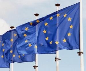 bandera ue 6 300x249 Nueva consulta sobre PRIIPs del Comité Conjunto de Autoridades Supervisoras Europeas