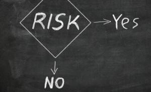 risk yes or no 300x184 Buenas prácticas en la educación sobre riesgos de inversión