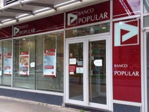 banco popular 2 300x225 Popular compensa a 7.500 clientes afectados por el canje de sus bonos