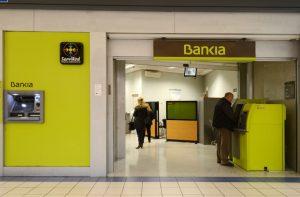 bankia 300x197 Bankia, condenada a pagar medio millón por colocar un swap a una cooperativa de profesores