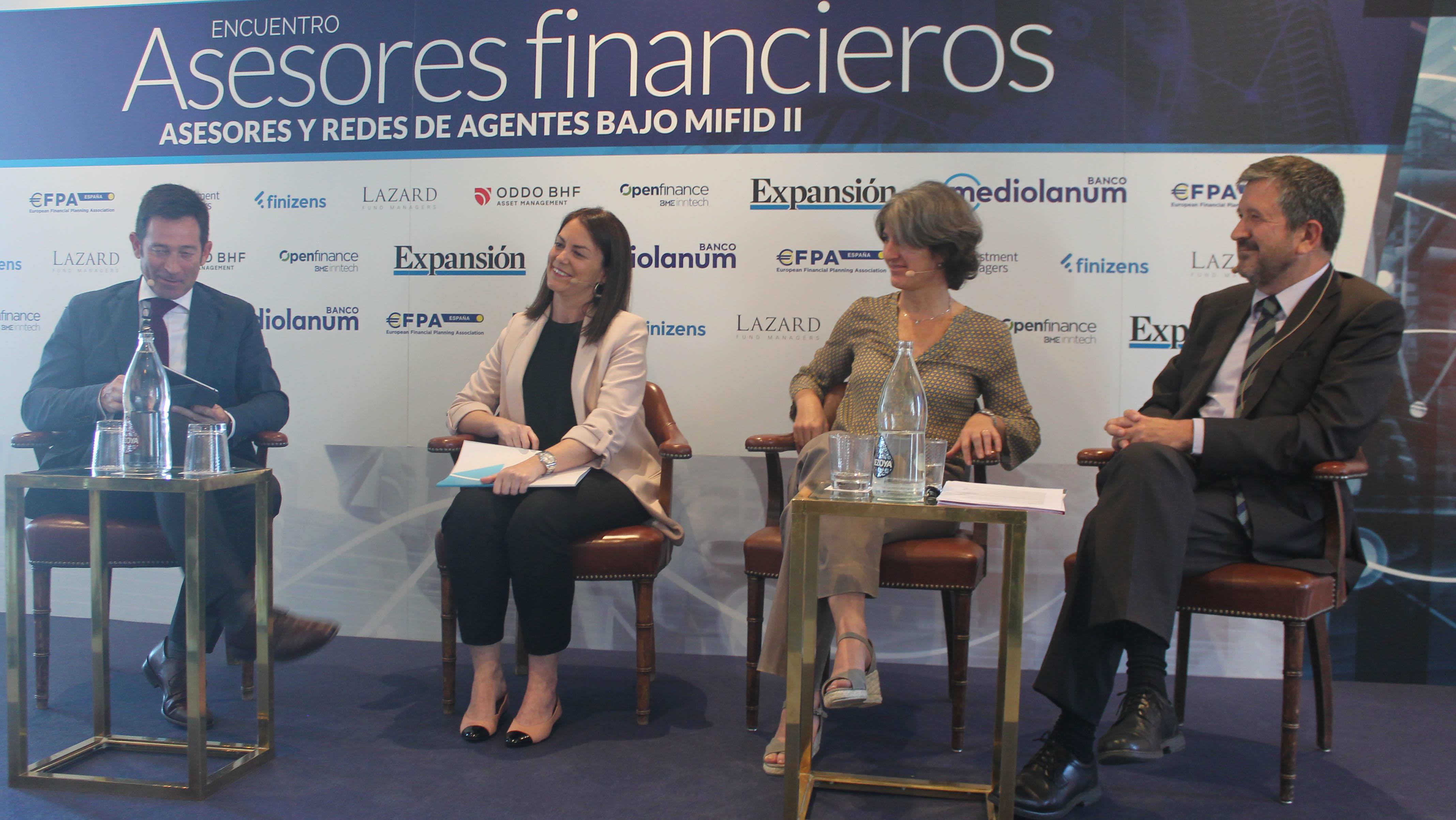 Encuentro Asesores Financieros 1 MiFID II: de vender a prestar servicios en interés de cliente