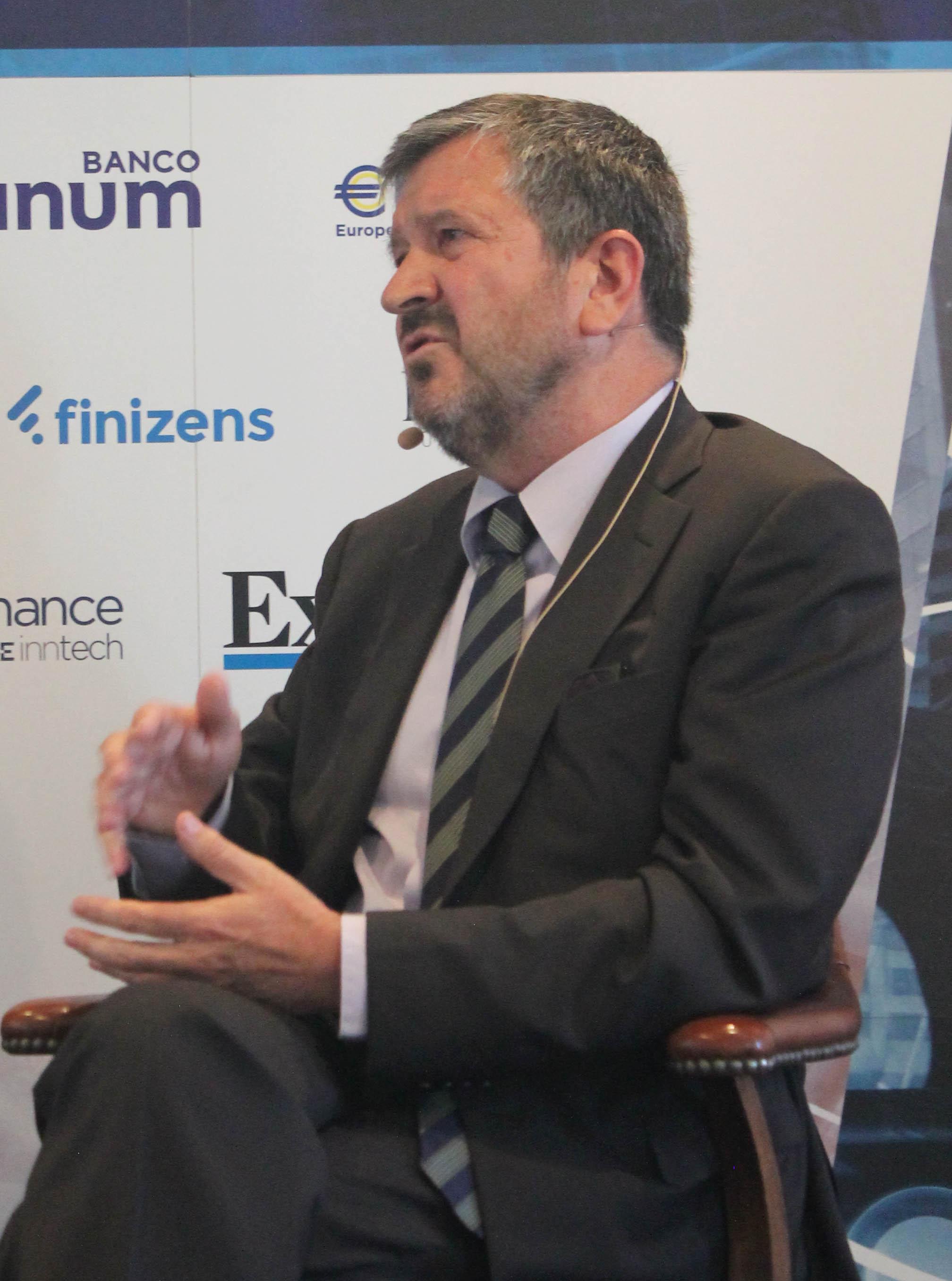 Fernando Zunzunegui en Encuentro Asesores Financieros 2 MiFID II: de vender a prestar servicios en interés de cliente