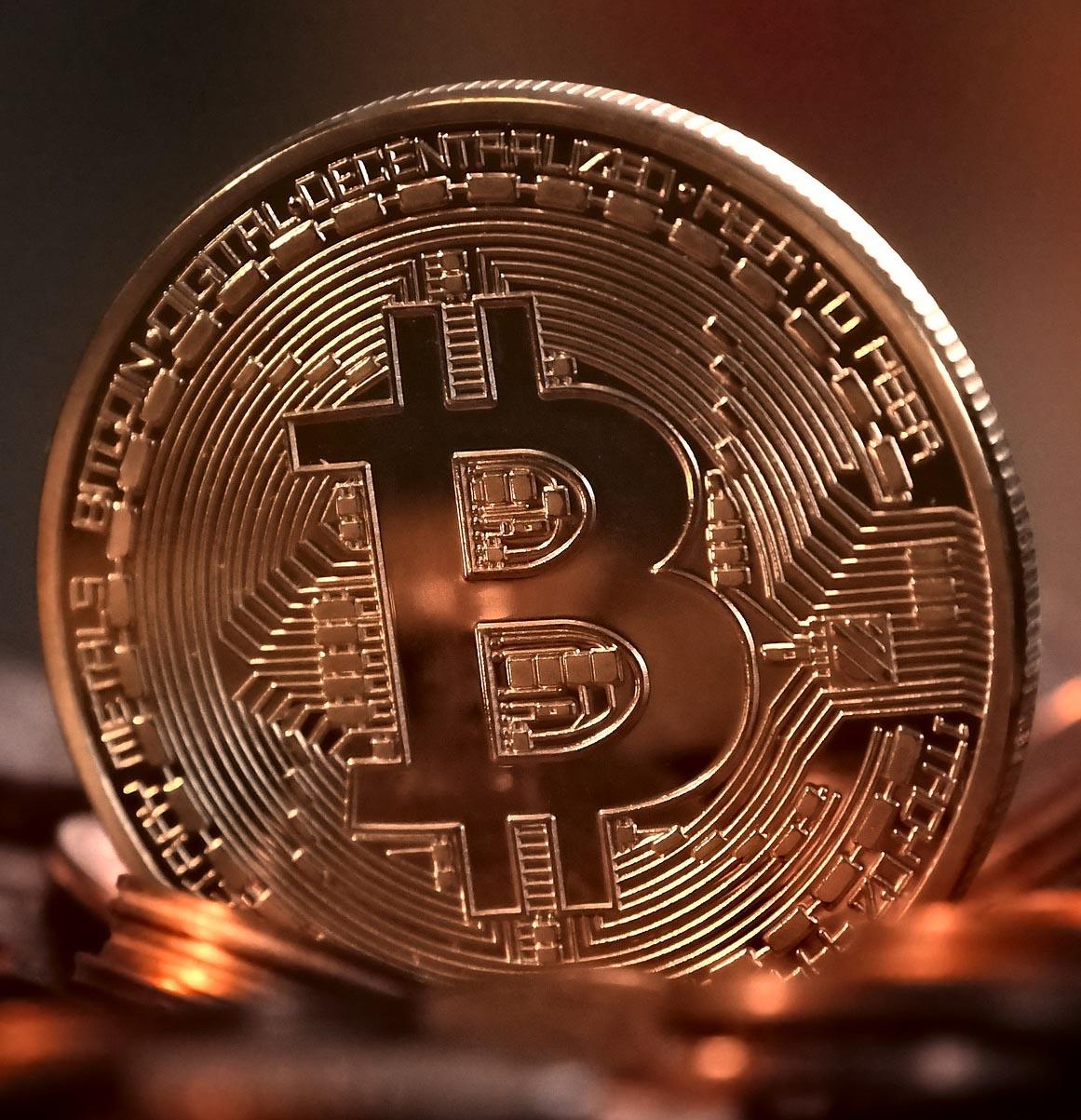 bitcoin 2007769 1920 Dinero, criptomonedas y algarrobos