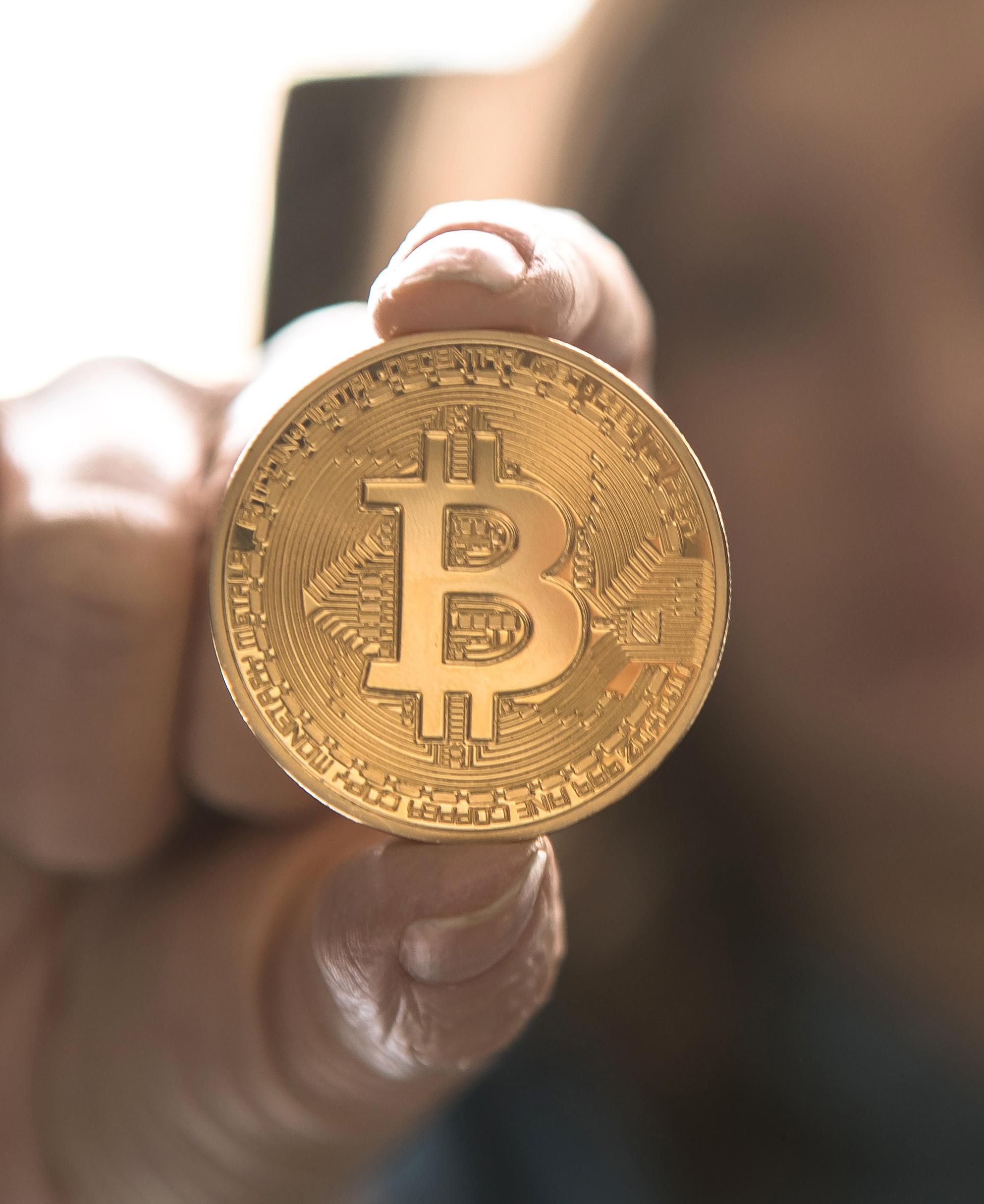 bitcoin Luis R Futuros financieros de Bitcoin: institucionalizando la divisa virtual