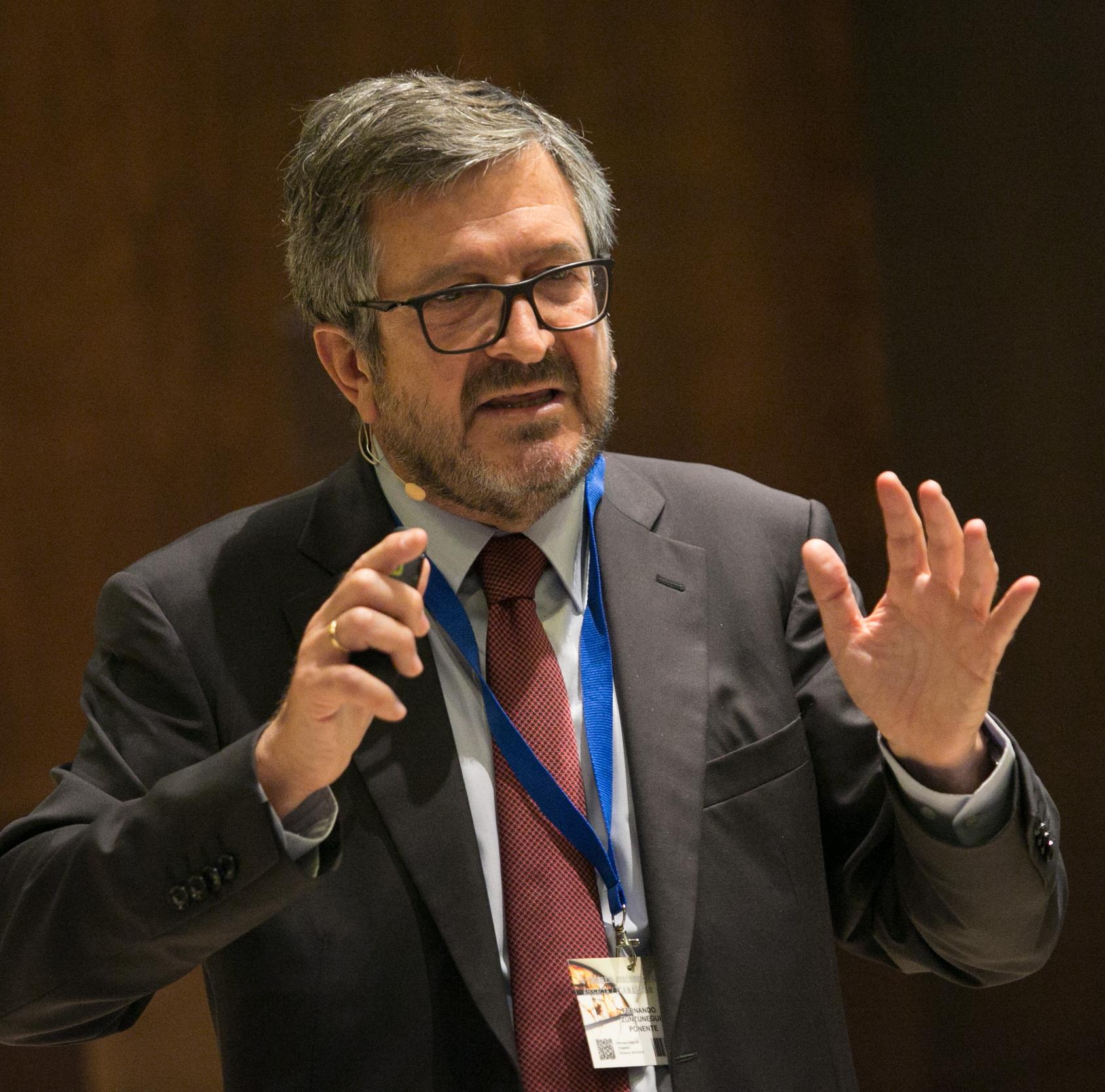 Fernando Zunzunegui Congreso ICAMÁLAGA Open Banking: Hacia un modelo de banca abierta (PSD2)