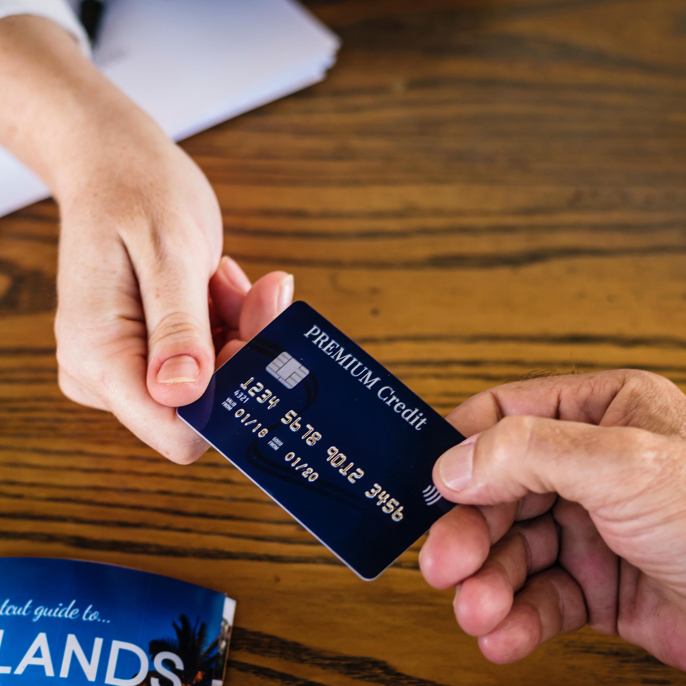 pagos digitales Los datos bancarios son de los clientes  y estos pueden cederlos a terceros, según la Directiva PSD2