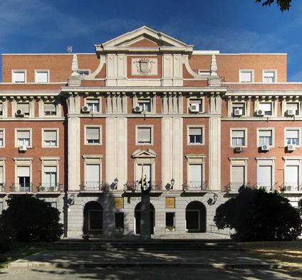 palacio de la moncloa 1 El gobierno limita la libertad de las empresas financieras por decreto ley
