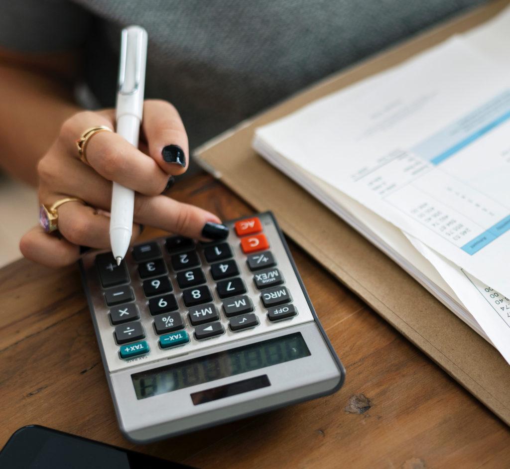 seguros 1024x942 El sector de los seguros  facturó 64.282 millones de euros en 2018, el 1,3% más