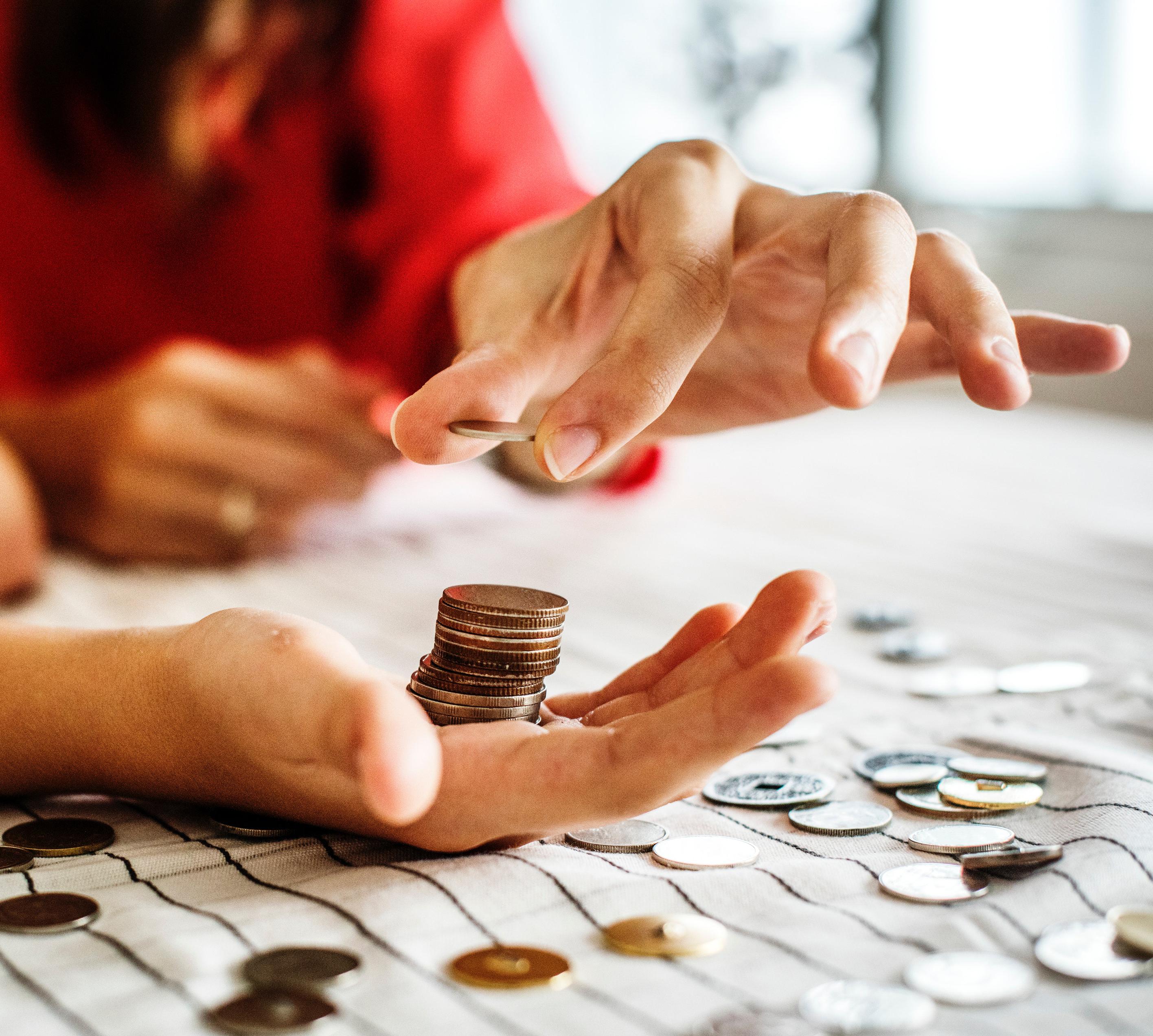 adult banking blur 1288483 Jornadas sobre los límites de la protección penal de los intereses económicos de los consumidores