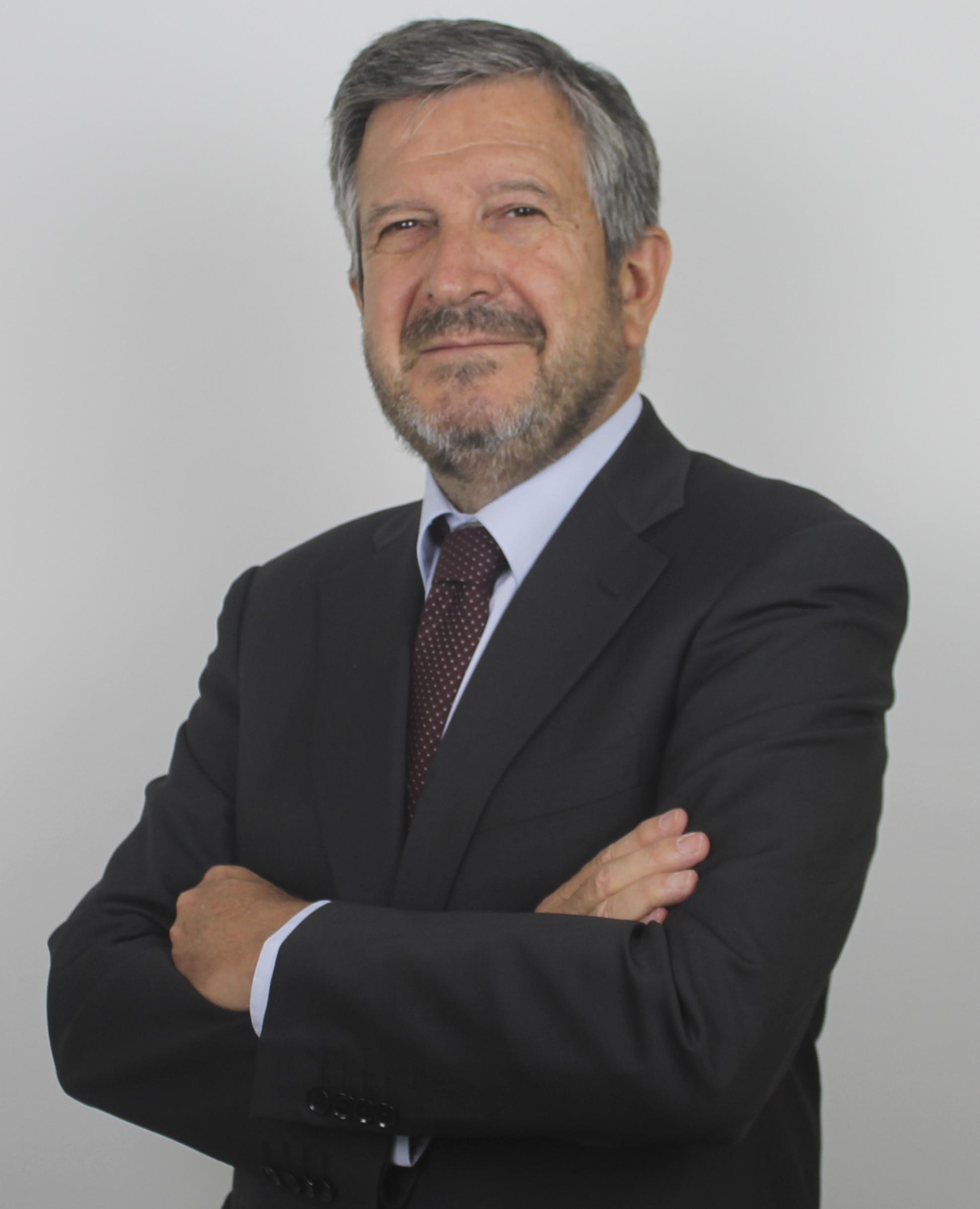 Fernando Zunzunegui color Chambers & Partners reconoce a Fernando Zunzunegui como uno de los mejores abogado Fintech 2020