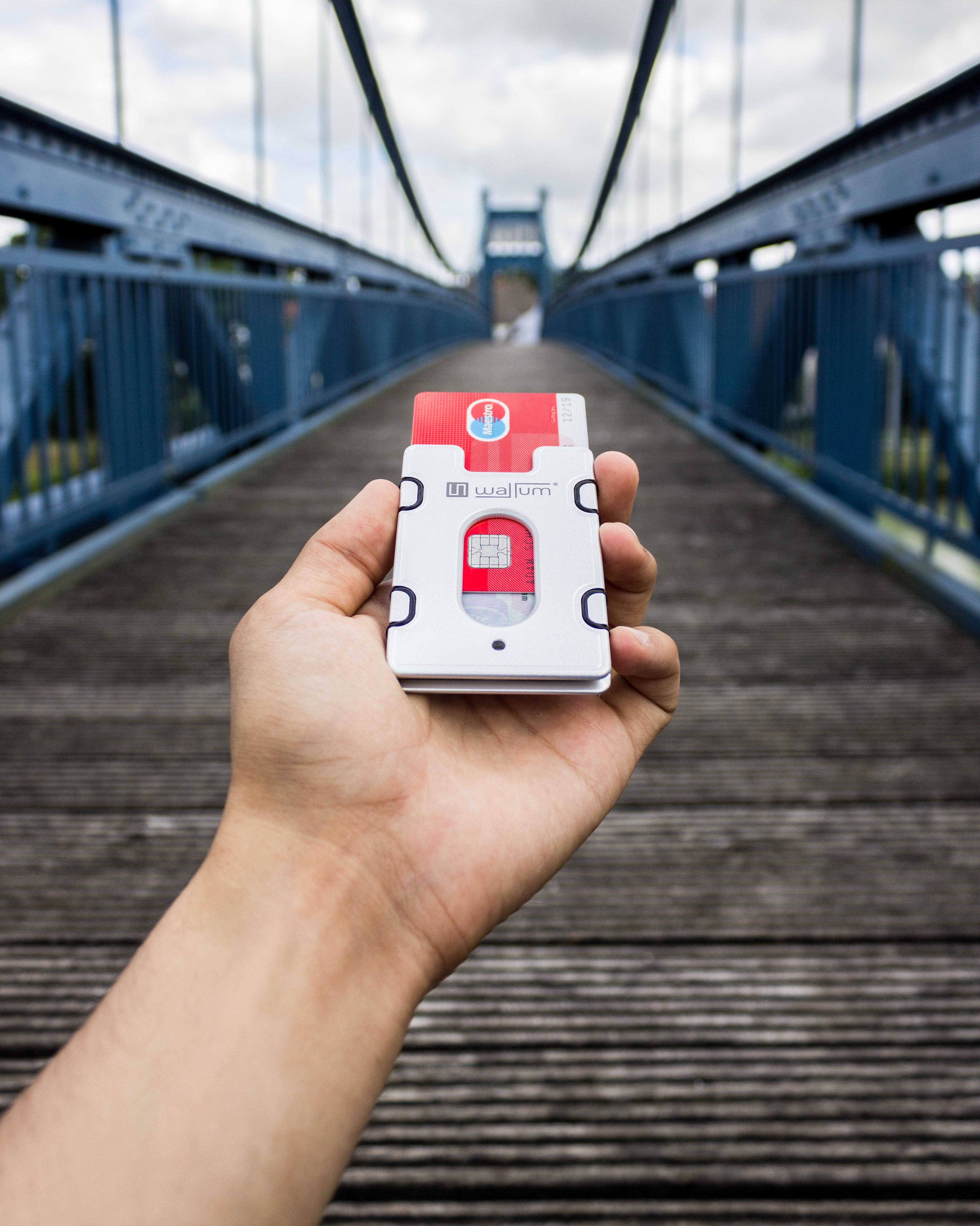 30daysreplay pr marketing social media beratung 3 a7s0MAXhc unsplash Un 25% de los clientes bancarios reconoce poder contratar más productos de forma digital que de forma presencial